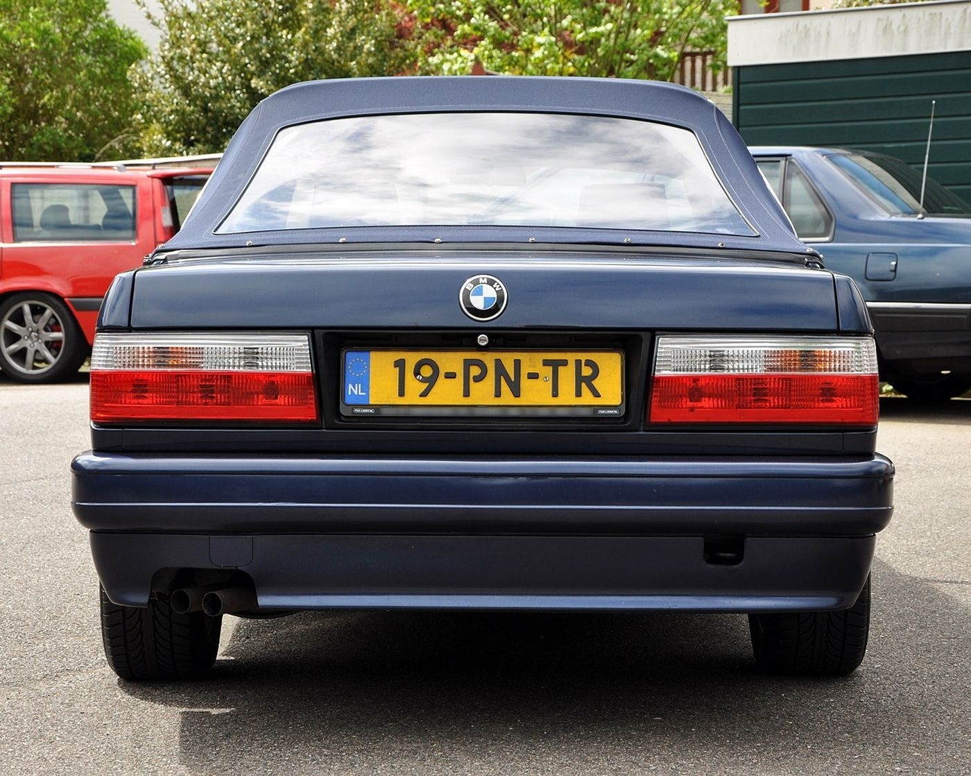 You can bookmark this page url http useddaewoocars blogspot de 2013 07 bmw 320i e30 baur cabriolet html